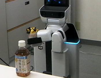 トヨタ自動車製Human Support Robotの実証実験